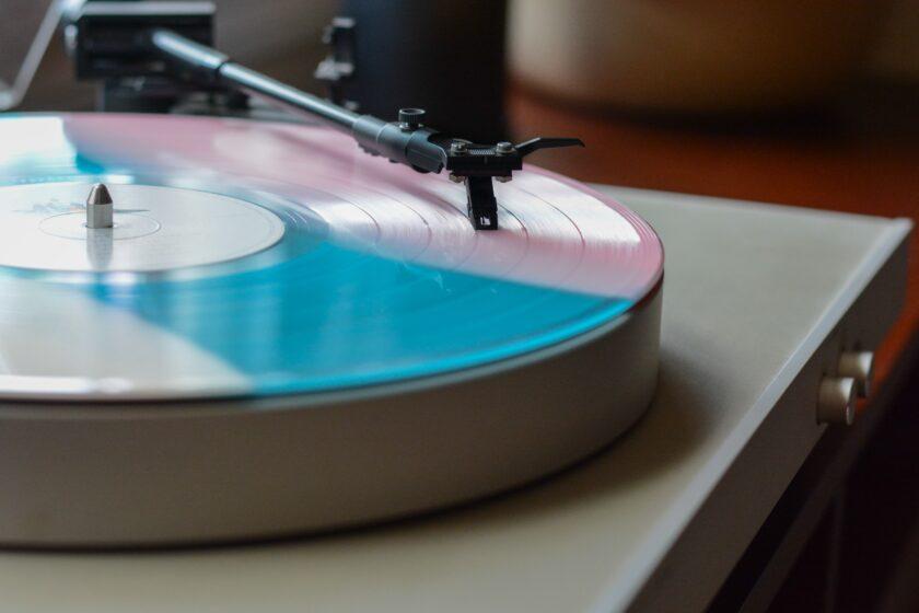 アナログ・レコードは永遠に不滅です!(4)